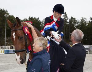 Emma Sheardown Para gold medalist.